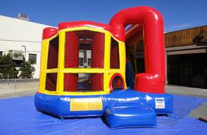Backyard obstacle Bounce House