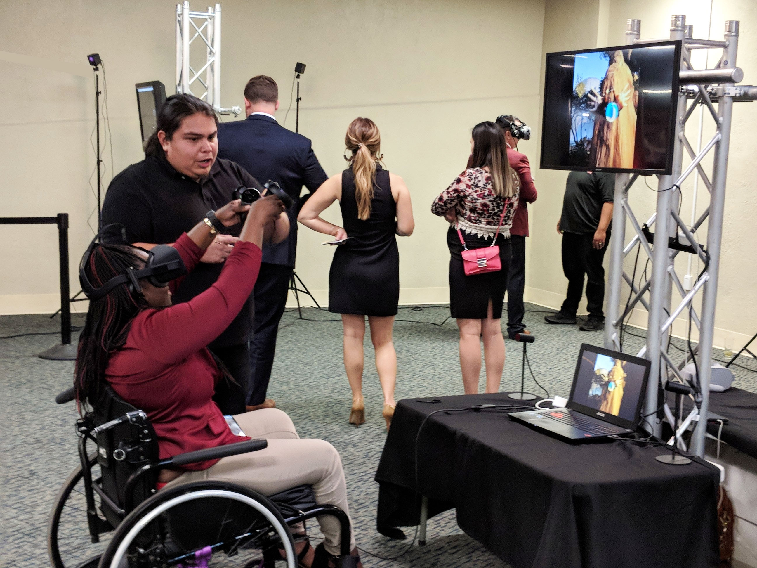 Handicap Person Climbing through Virtual Reality