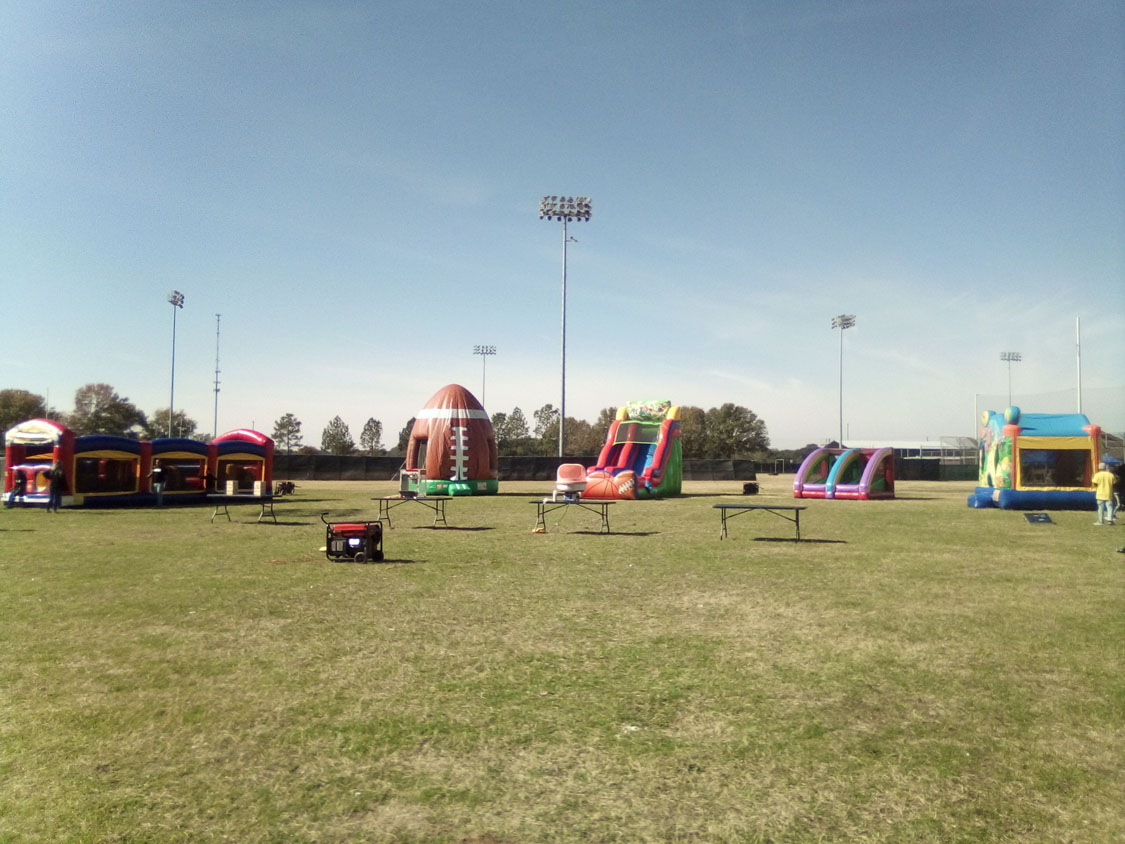 18ft Sports with other items in a school event